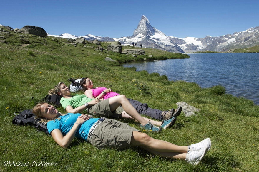 Rest with panoramic view on the Matterhorn Mattertal